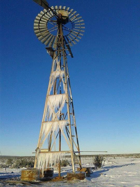 Bi-Anne DuToit - Icy Windmill near Snowfield Boutique Hotel - Sutherland 10/06/2014
