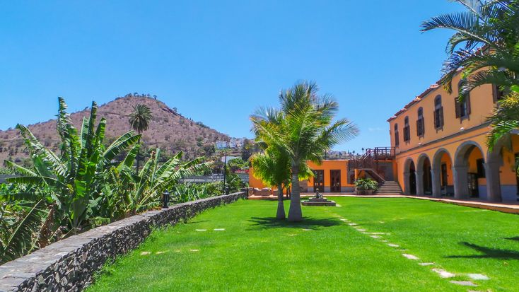 Hotel Rural La Hacienda del Buen Suceso – Arucas – Gran Canaria (16-17 Junio 2017) Tocar o desplazar la foto para ver toda la galería Rodeado por plantaciones de plataneras, este tranqu…