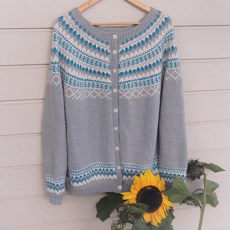 Gretekofte, strikkes i Sterk fra Du Store Alpakka. Oppskrift av knitting_inna