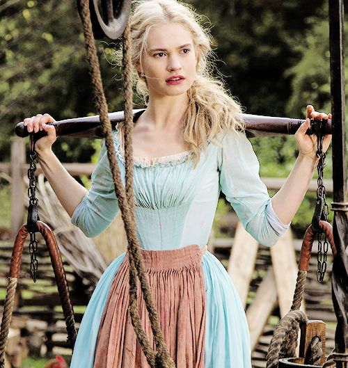 Ailish before she joins Gabriel in search of Eawen, who Gabriel believes is still alive and among the Asagai