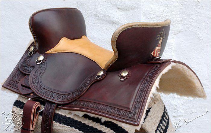 medieval saddles   Medievale Rittersattel Squareskirt, Bordertooling Medievale, Farbe ...