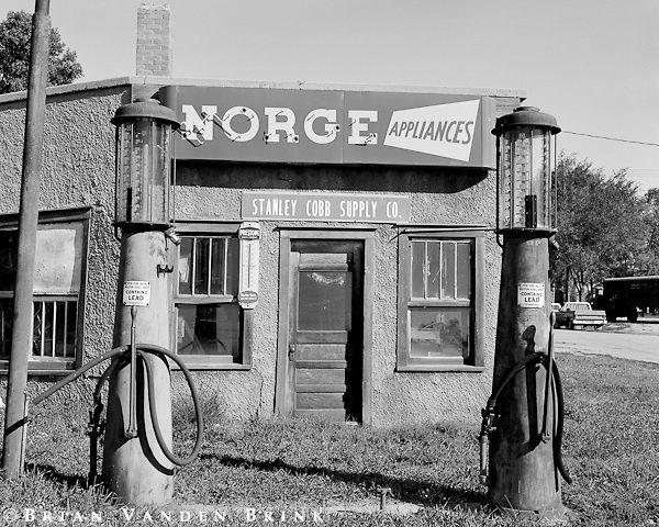 Les 98 meilleures images du tableau anciens garage for Garage mecanique lyon 8