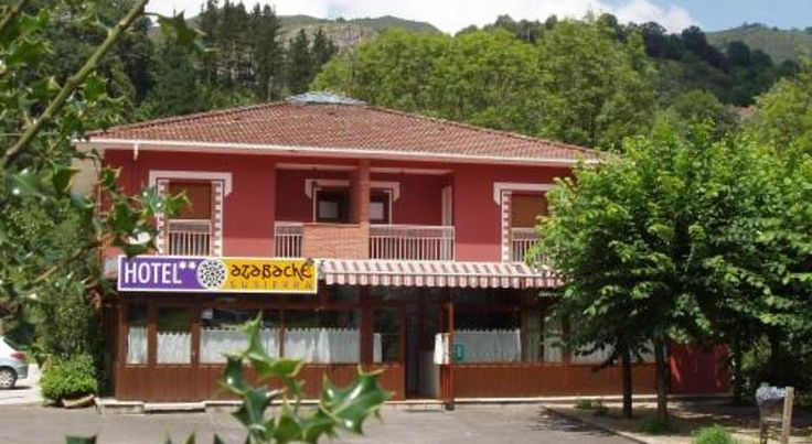 Hotel Azabache Susierra Cardes This is pretty accommodation in a rural setting with panoramic views of the Picos de Europa, only 2 km from Cangas de Onís.    The rooms are cosy and fully-equipped with a private bath. The facilities include a bar.