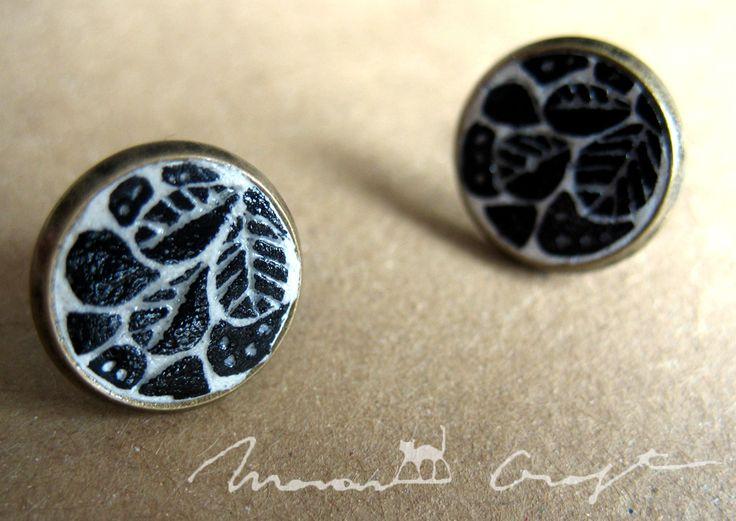 Black Leaves (13 LEI la maawcraft.breslo.ro)