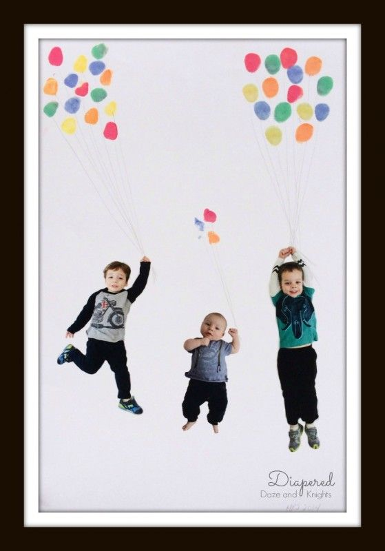 Adorable idea for kids to make as a Mother's Day gift! Make a family fingerprint balloon photo via @Heather Creswell at Diapered Daze and Knights #kids #crafts