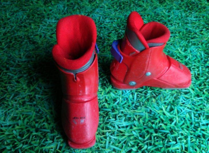 Chaussures de ski de descente Nordica pour enfants Taille 26-27. Location Chaussures de ski (26-27) NORDICA à Thonon-les-Bains (74200)_www.placedelaloc.com