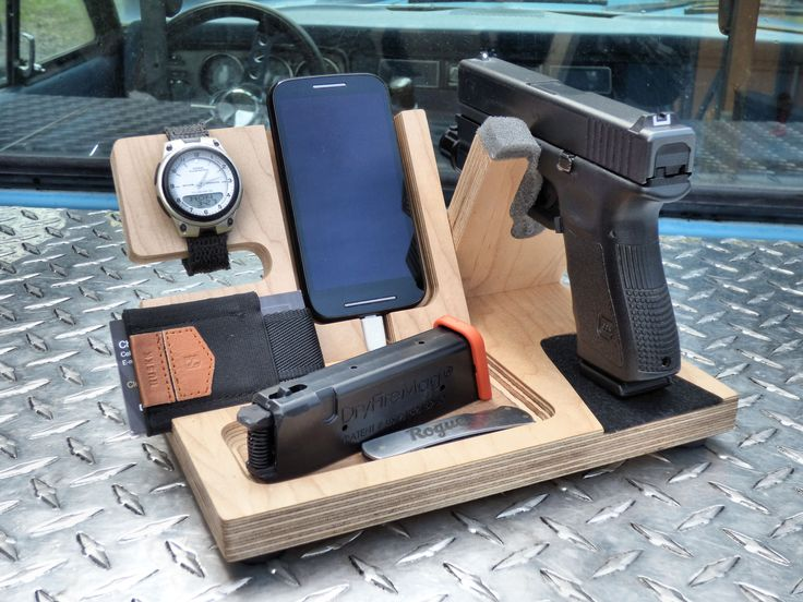 Our EDC Valet Original, shown with Glock 19 and a DryFireMag. If you haven't checked out the DFM yet, It's a great way to practice!