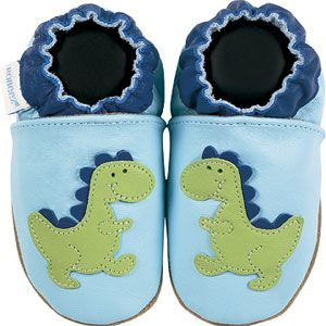 Dinosaur robeez shoes! Soft soul shoes are best for babies feet develpment, and Robeez sells soft souls for up to size 4. #softsoleshoes #babyshoes