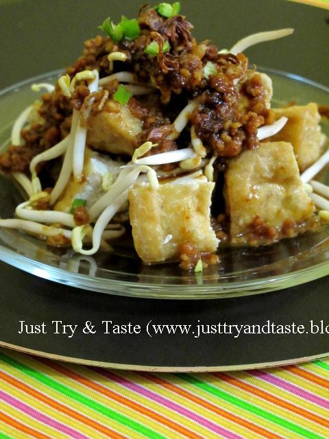 Tahu Guling (Tofu Roll) - (This recipe is in Indonesian, Bahasa Indonesia, but it can be translated into English and other languages.)