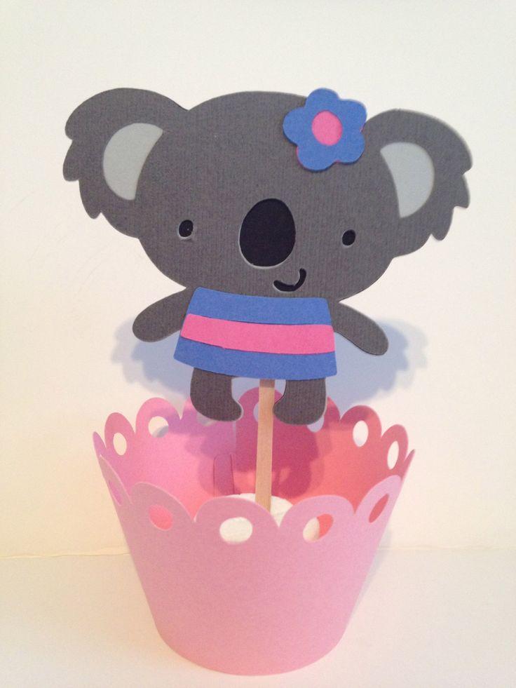 Este es un listado para Toppers de Cupcake oso Koala 12... Con o sin la flor y la falda... Podría añadir un arco o un sombrero... Su elección.  No incluye envolturas de la Magdalena, si quieres compra también envolturas de la Magdalena, por favor haz clic en el enlace de abajo!  https://www.etsy.com/listing/120998909/many-colored-cupcake-wrappers  ELIGES LOS COLORES!   Por favor deje una nota al vendedor en la comprobación con los colores que usted prefiere!  Elementos adicionales…