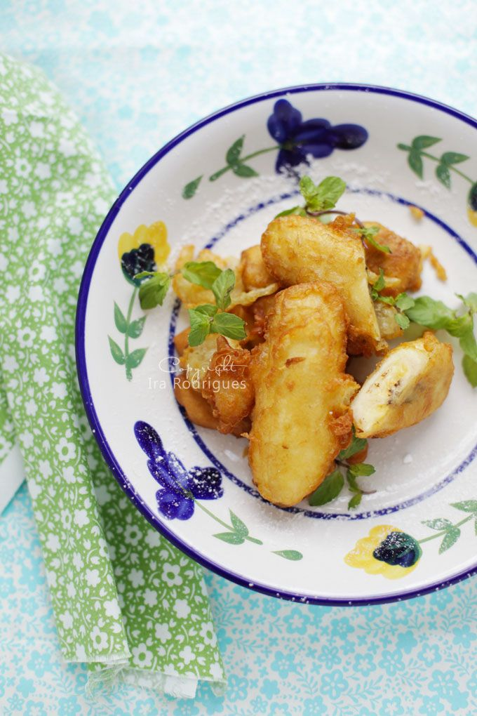 Fried Banana, Pisang goreng  is very popular snack throughout Indonesia , they are like a King among various deep-fried Indonesian sn...