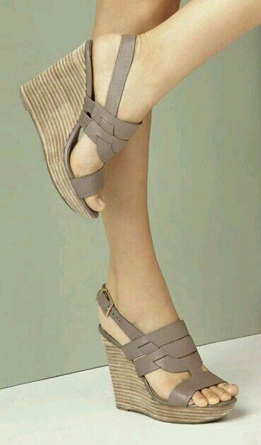 Zapatos De Tacon Corrido Beige
