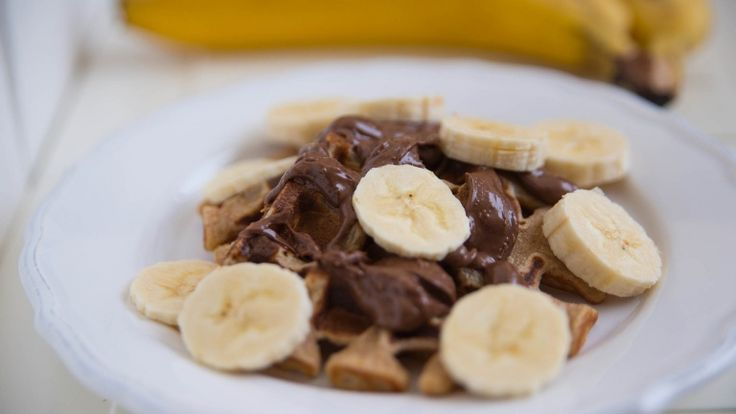 Waffle con Nutella e banane, ricetta dolce facile e veloce, ricette cioccolato