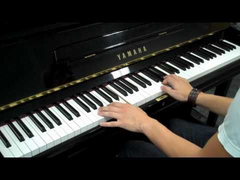 Twilight New Moon Soundtrack - Alexandre Desplat - The Meadow Piano Cover. I know how to play this one.