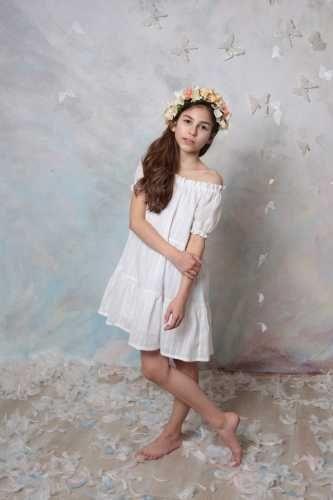 Niezwykle dziewczęca, delikatna i zwiewna sukienka ELENA