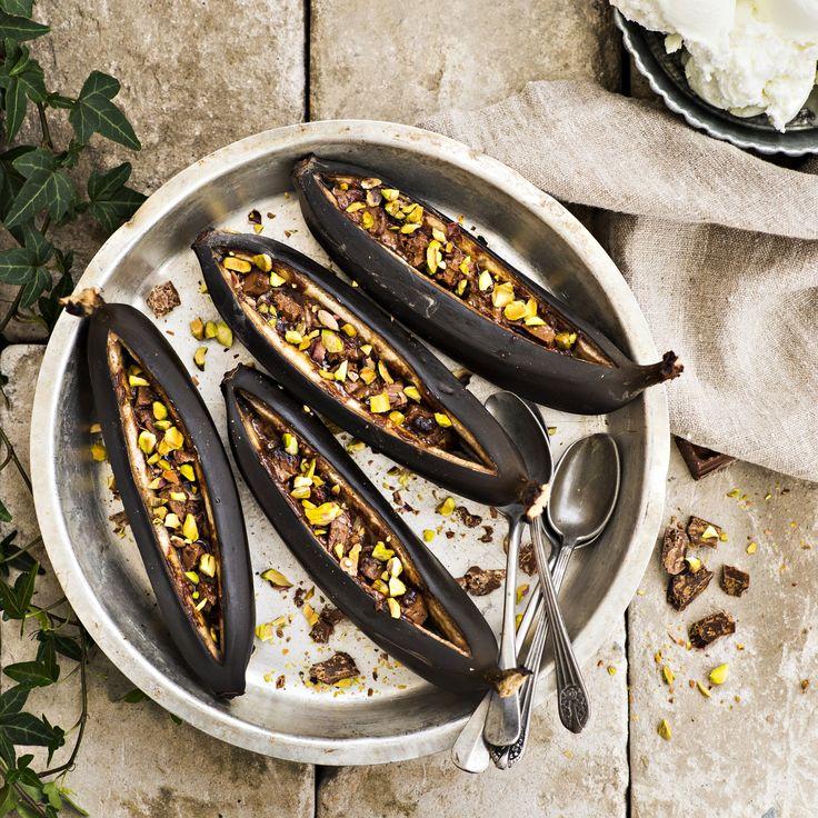Ihanat grillatut banaanit ovat kesän takuuvarma jälkiruoka. Tämäkin reseptin vain n. 1,10€/annos*.