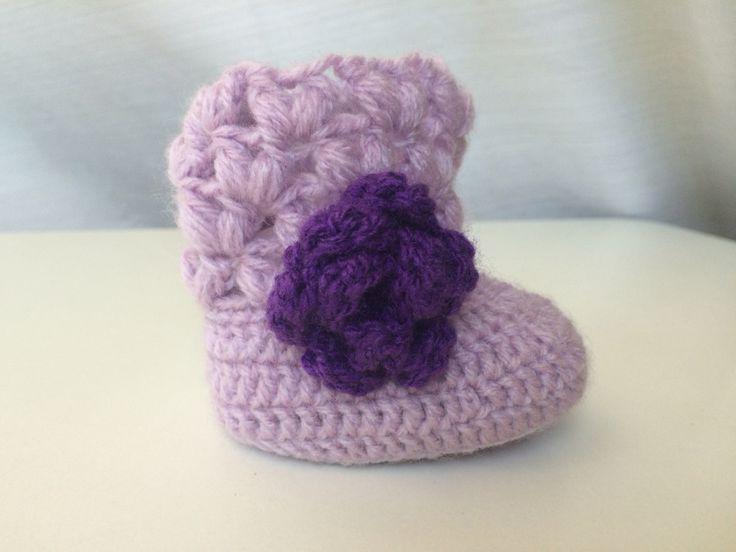 Baby bootie #crochet punto  puffy cruzado by Maureen robeson magnasco