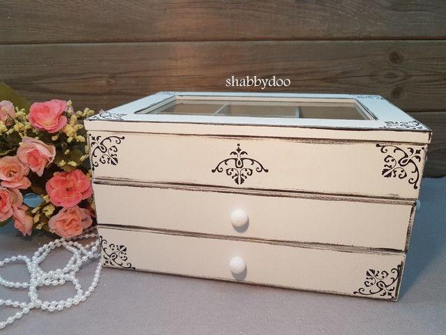 Schmuckkästchen - Schmuckkästchen weiß shabby Schmuckbox Schubladen - ein Designerstück von shabbydoo bei DaWanda