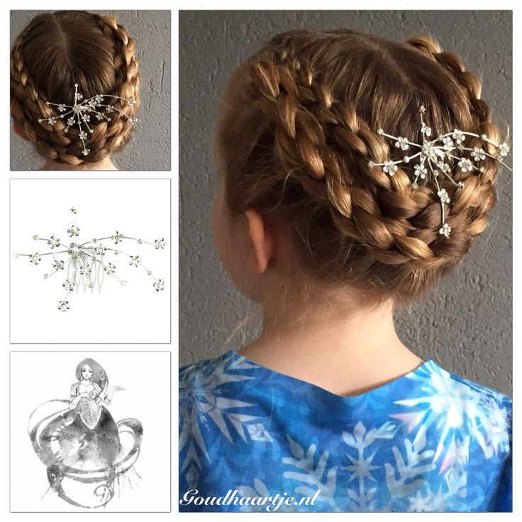 Fold up 3D braids with a beautiful silver hair accessorie from Goudhaartje.nl    #updo #3dbraid #foldupbraids #eleganthair #hairaccessories #haircomb #hair #hairstyle #braid #braids #hairinspiration #opgestoken #3dvlecht #haaraccessoires #haar #haarstijl #vlecht #vlechten #haaraccessoires #goudhaartje