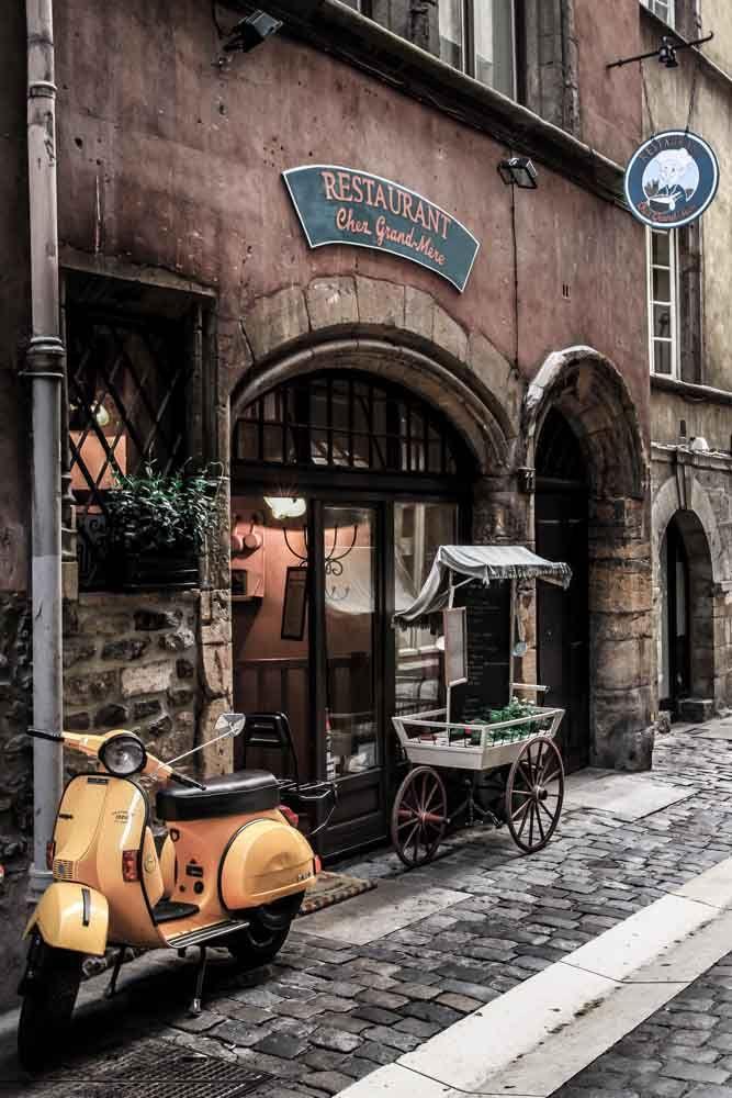 La Vespa, Vieux Lyon - St Jean.