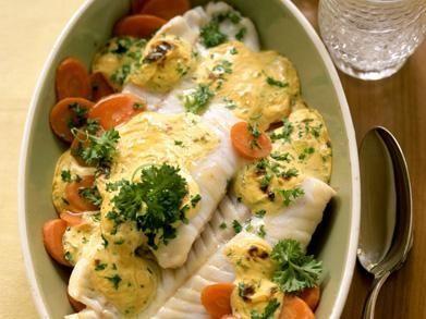 Heerlijke visschotel met wortel en mosterdsaus. Je kunt elke vissoort gebruiken, origineel wordt het gemaakt met koolvis maar ik heb tongfilet gebruikt....