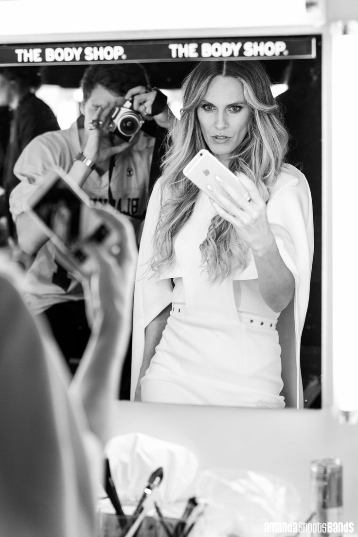 Designer, Rochelle Goodrich backstage at NZFW, R O C H E L L E Collection | © Amanda Ratcliffe | 25 August 2016 | Please contact for additional images: contact@amandashootsbands.com