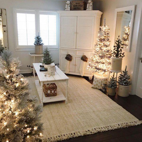 35 Ravishing Living Room Decoration At Christmas Christmas Room Christmas Living Rooms Christmas Home
