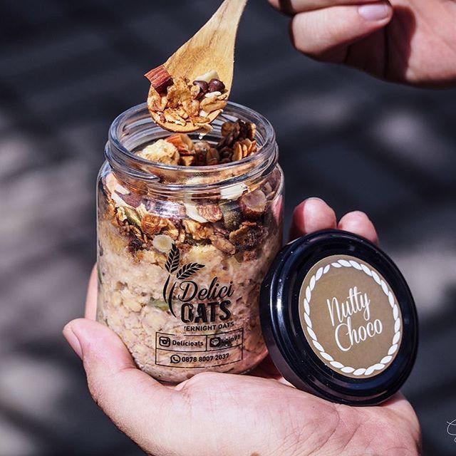 Overnightoats Nutty Choco @delicioats Yummy! Ide bagus, untuk sarapan sehat dan enak, pagi ini 😋👌🏼 #ᴏvernightoats #oatsjakarta #chiapudding #healthyfood #dietsehat #makanansehat #nuttychoco #jktfoodbang