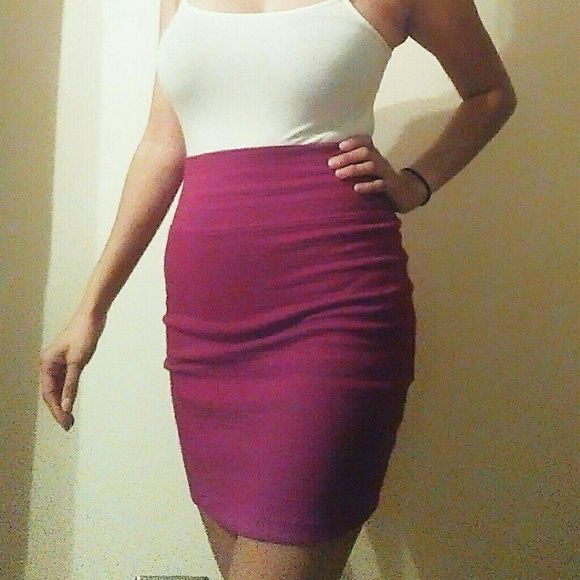 Mid Skirt Waist high mid thigh skirt.. new,Never wore it (except for picture) basic house Skirts Midi