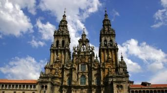 Follow the Camino del Norte. Macs Adventure specialise in booking your self guided camino holidays in Spain, France, Portugal, and throughout Europe.