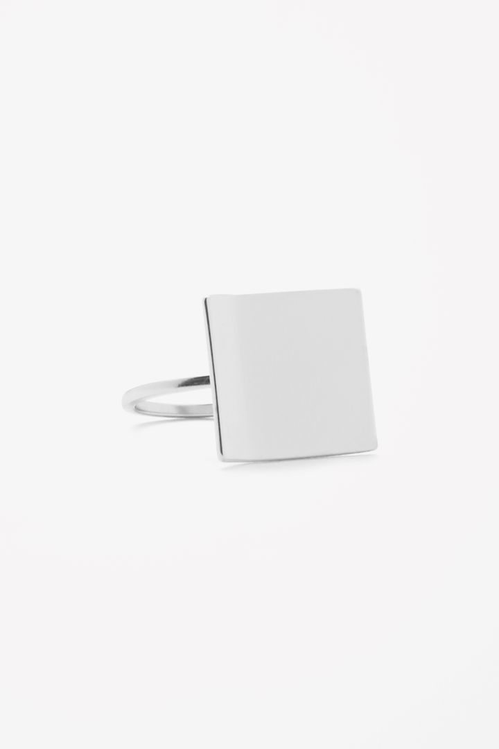 COS | Folded metal ring.  Rings are every girls favorite things.