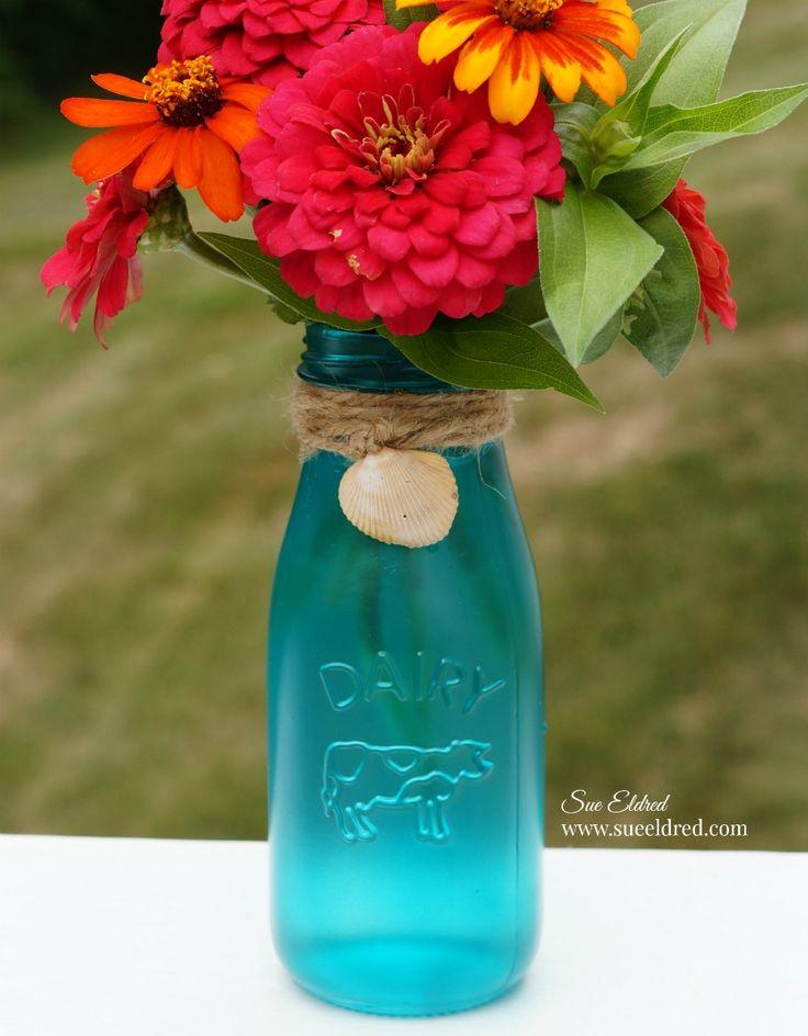 How to create a Sea Glass Vase… I love the light and airy look of sea glass. Inspired by a recent trip to the ocean… I decided to try my hand at making a Sea Glass Vase. I used these cu…