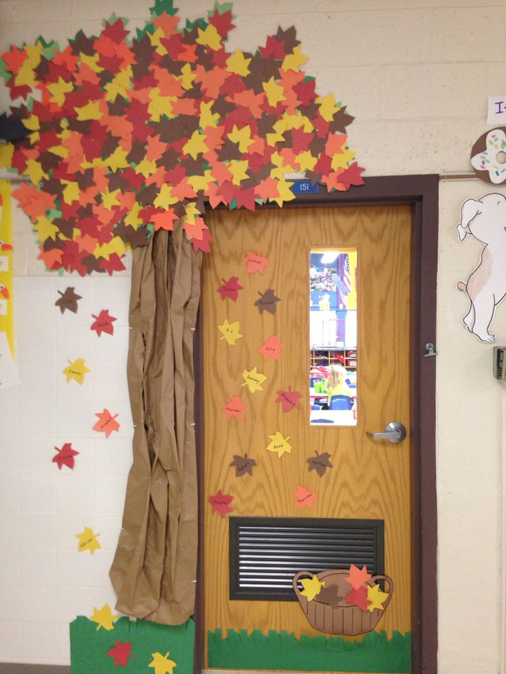 1000 ideas about fall classroom door on pinterest for Autumn classroom door decoration ideas