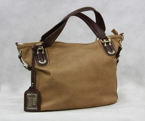 Tas Elle ini...harga Rp. 889.000,- pengen liat langsung tas nya deh..