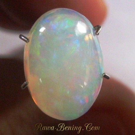 Batu Mulia Natural Opal White Rainbow 2.65 carat