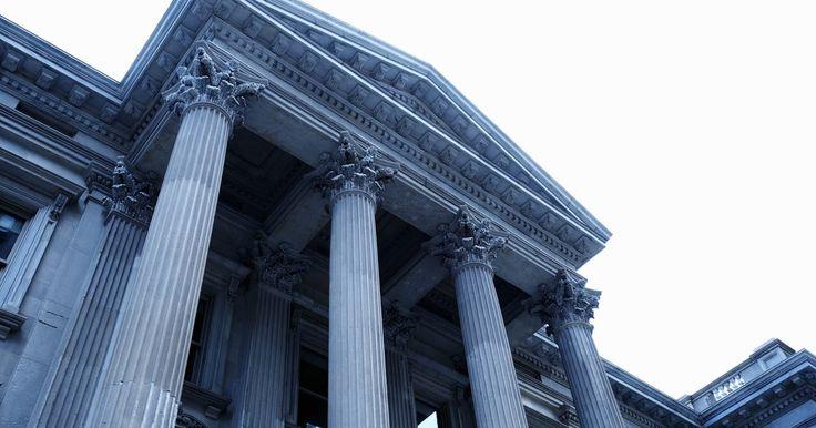 Tipos de bases de las columnas arquitectónicas. Utilizadas tanto para propósitos decorativos como para soportes arquitectónicos, las columnas se originaron en la antigua Grecia. Aunque hay tres tipos principales de columnas, cada uno con un tipo específico de base, los arquitectos modernos han desarrollado algunas nuevas variedades. Si bien las columnas no son tan comunes hoy en día como sí lo ...