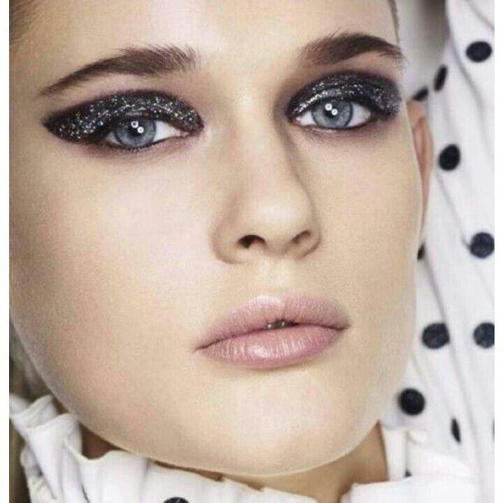 Makeup grey