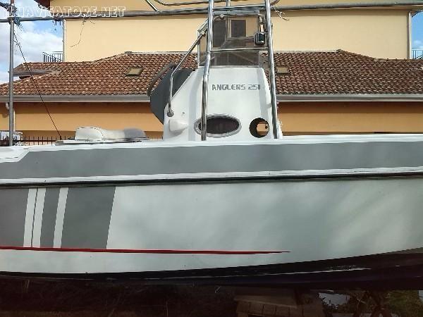 SALPA #ANGLER 7,80 X 2,50 CON T.TOP IN INOX #VERRICELLO #ELETTRICO #CABINA #ANTERIORE #.COMPLETA DI #TAPPEZZERIA #ANTERIORE #,SERBATOIO INOX IN ... #annunci #nautica #barche #ilnavigatore