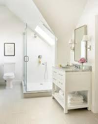 image result for sloped ceiling bathroom - Hier Badezimmer Ideen Fur Berucksichtigen
