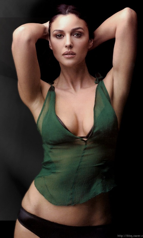 Ariadne Diaz Nude Photos 9