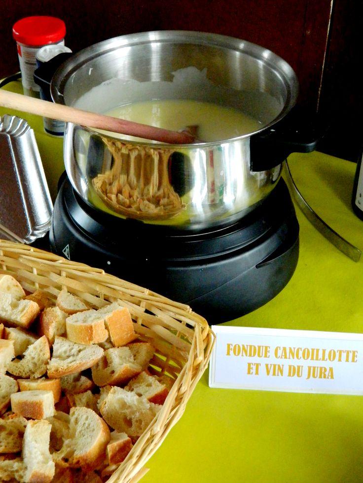 La fondue à la cancoillotte : ultra simple et délicieuse ! #cancoillotte #vindujura #franchecomté #recette #fondue