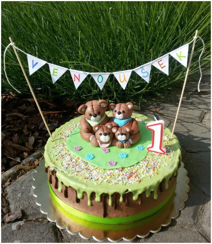 Bear family cake