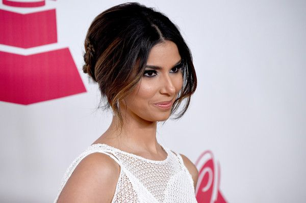 Roselyn Sanchez Photos Photos - Actress Roselyn Sanchez attends the 2015 Latin GRAMMY Person of the Year honoring Roberto Carlos at the Mandalay Bay Events Center on November 18, 2015 in Las Vegas, Nevada. - 2015 Latin GRAMMY Person Of The Year Honoring Roberto Carlos - Arrivals