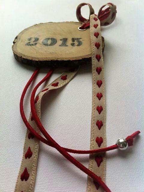 New Year's Charm Handmade Wood Slice   by KIKOmania  7€    Χειροποίητο   Γουρι
