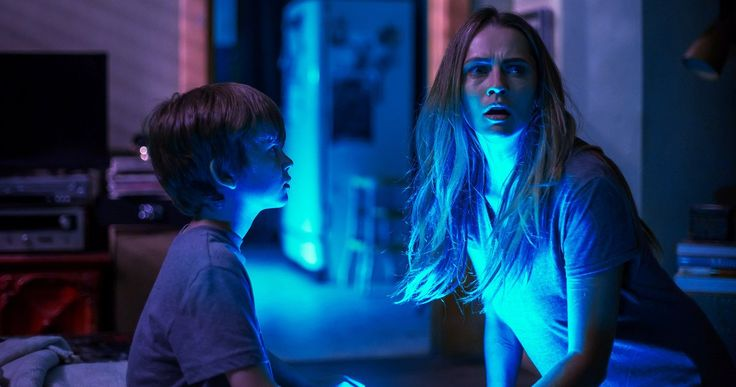 Lights Out Reinvents Classic Horror in a Fresh Way -- Director David F. Sandberg brings his terrifying short film to life on the big screen in innovative ways in Lights Out. -- http://movieweb.com/lights-out-movie-review-classic-horror/