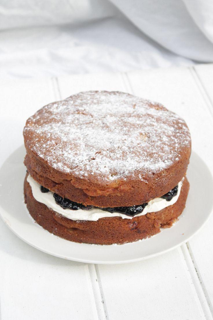apple cake with blackberry compote & vanilla cream