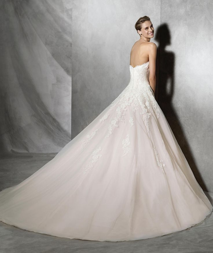 Tosha Princess Dress With Sweetheart Neckline In Tulle Lace And Guipure Pink Underlay Bodice Liqués