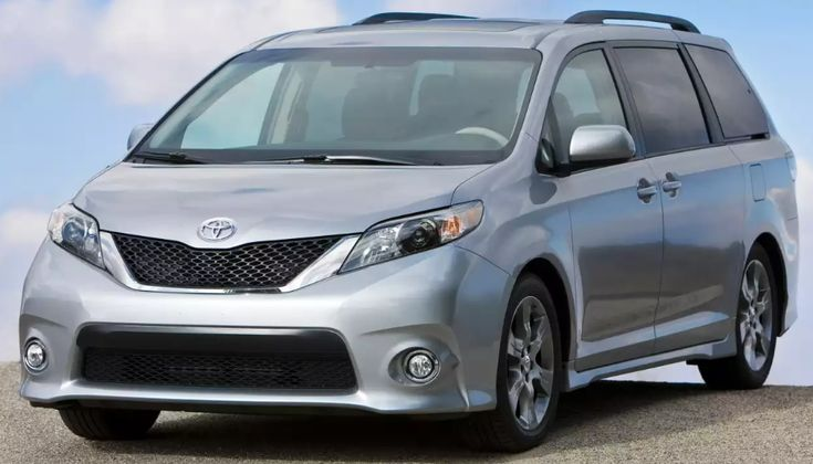 2013 Toyota Sienna Owners Manual –The Toyota Sienna is a transport remedy for moving up to seven people plus it does that well. It's also adaptable as a freight mover, with accommodating interior designs for just about any mixture of travelers or cargo. Sienna performs exceptionally ...