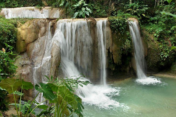 Si quieres conocer magníficas manifestaciones de la naturaleza, visita #AguaAzul, una área de protección de flora y fauna de #Mexico localizada en el estado de #Chiapas. http://www.bestday.com.mx/Chiapas/Atracciones/