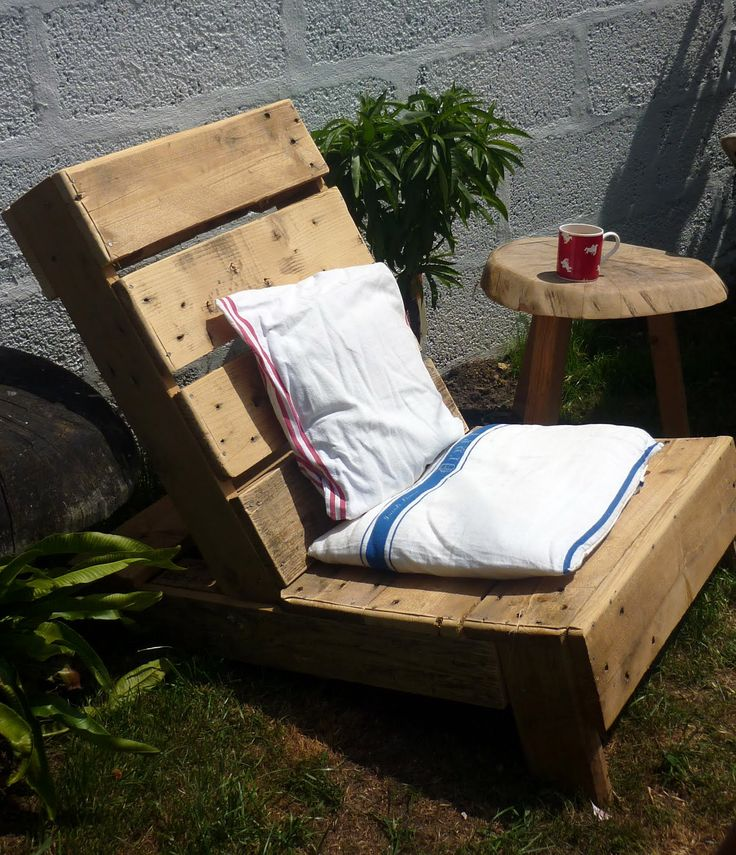 "Make a garden chair from an old wooden pallet...pinned to ""It's a Pallet Jack"" by Pamela"